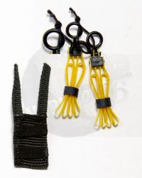 Dam Toys DEA SRT (Special Response Team) Agent El Paso: Two Restraint Cuffs (Yellow) & Carrier (Black)